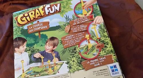 jeu de société Giraf'fun la course aux chapeaux