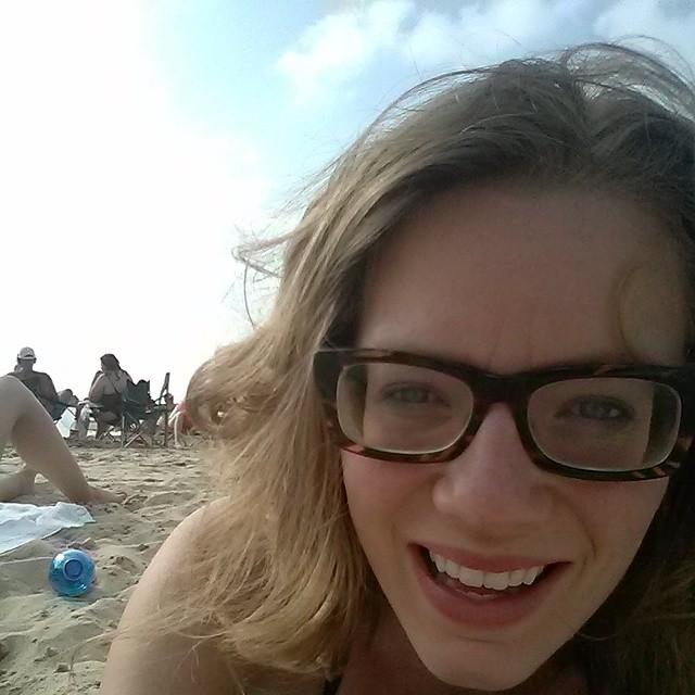 highly myopic girl on the beach rafa madbcn flickr