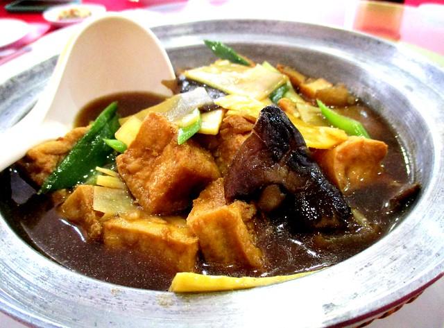 Ming Mei Shi claypot tofu