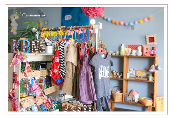 L'heure du gouter(ルール・ドゥ・グーテ) 愛知県瀬戸市の雑貨店 大人女子 かばん アクセサリー ランプ 出張撮影 商品写真 店舗写真