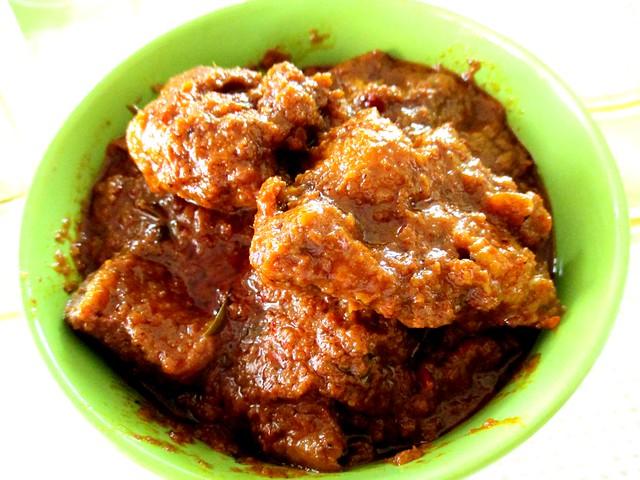 Sri Tanjung chicken rendang