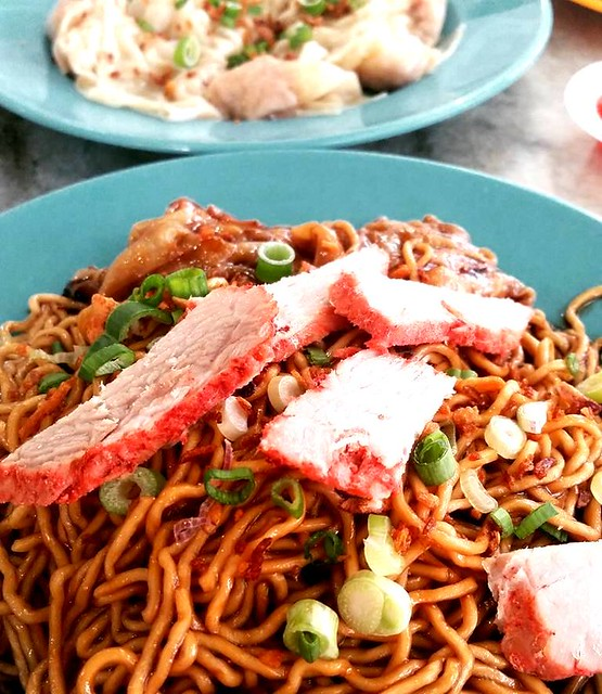 Double D Puchong kampua mee