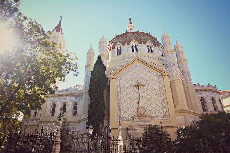 http://hojeconhecemos.blogspot.com.es/2015/11/igreja-de-san-manuel-e-san-benito.html