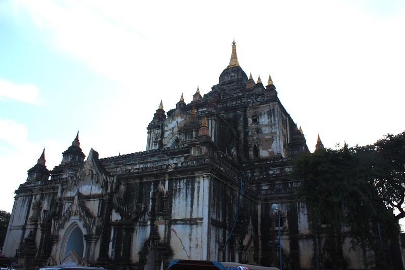 Татбьиньи (Thatbyinnyu) самый высоких храм Багана