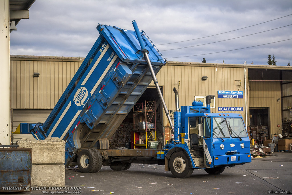 Sanitary Service Bellingham : Ccc let dempster recycle one recycling truck chassis
