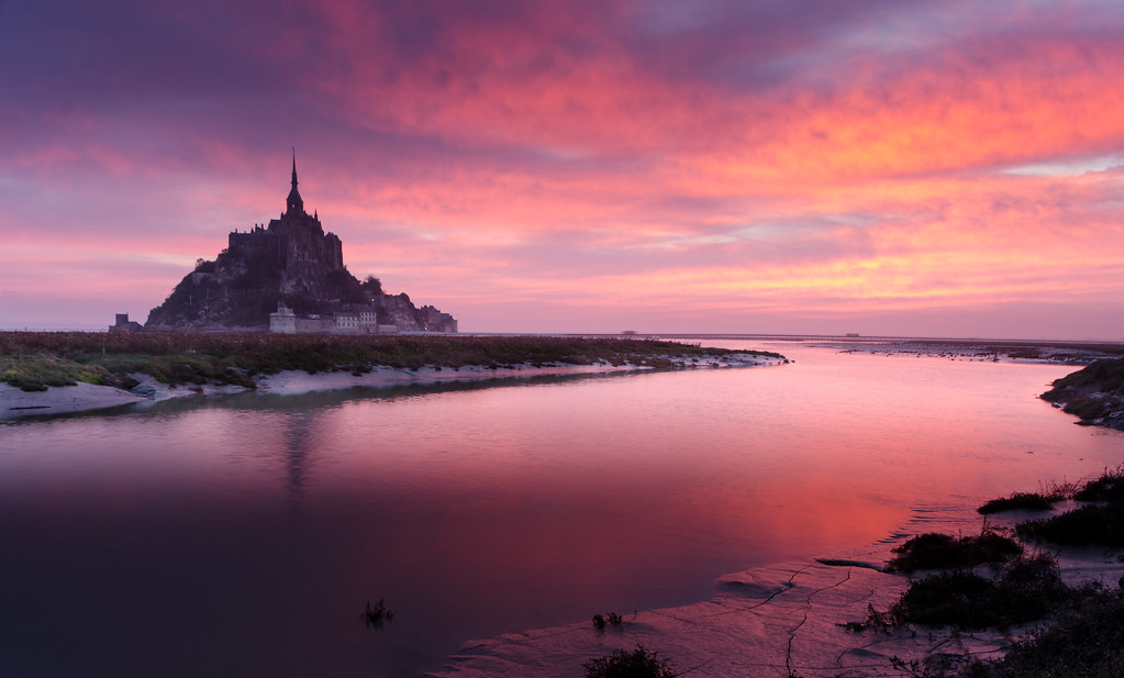 Le mont saint michel au r veil sunrise at saint michael for Au jardin st michel pontorson