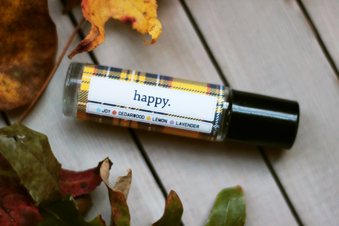 brittandhive.com: Happy rollerball recipe (and free printable label) - the perfect natural perfume replacement for the season's ups and downs