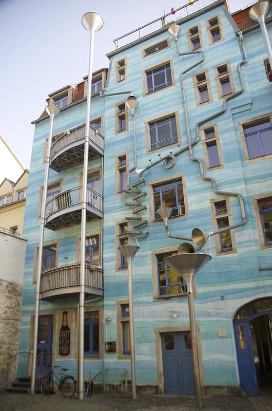 Pátio dos Elementos (Hof der Elemente) Kunsthofpassage