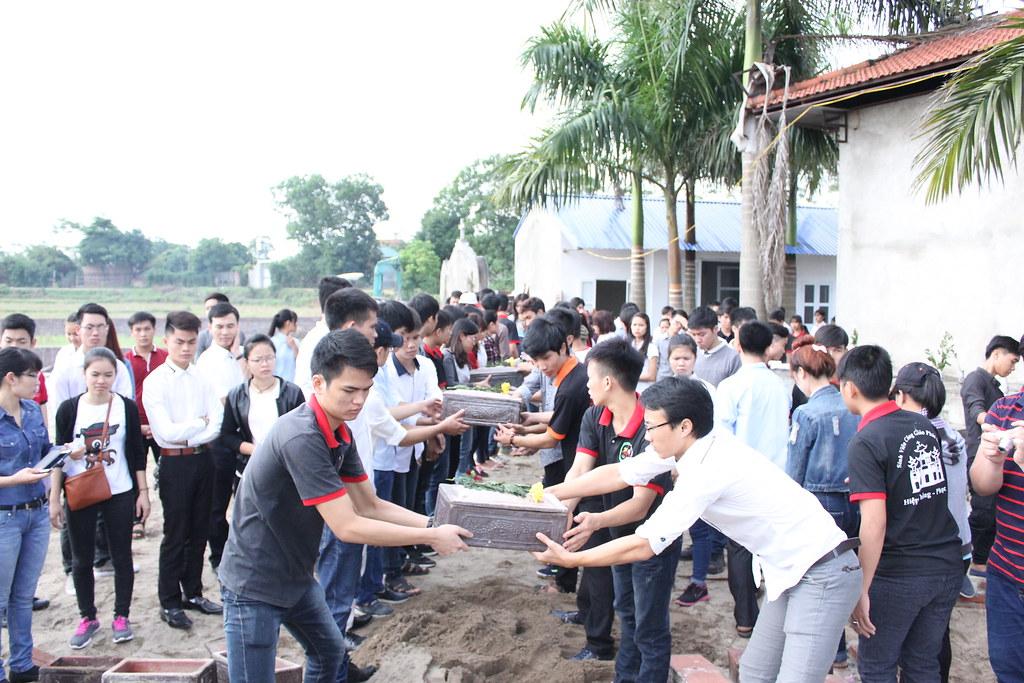 SVCG Phát Diệm tại Hà Nội viếng thăm nghĩa trang Bến Cốc 22/11/2015