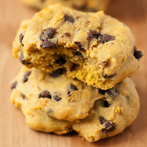 soft baked pumpkin chocolate chip cookies