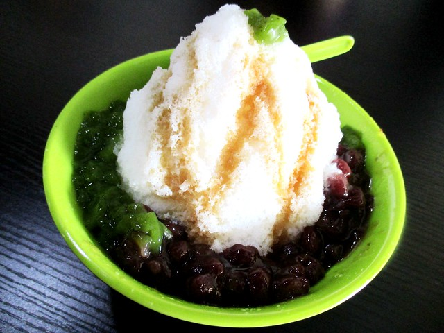 Red bean and jelly snow ice