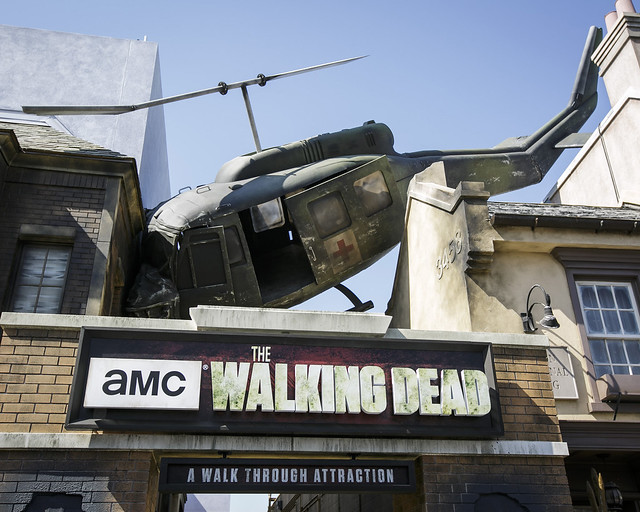 Entrada a la atracción The Walking Dead en Universal Studios de Los Angeles