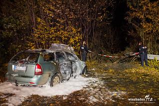 Pkw-Brand nach Unfall Maaraue 23.11.16