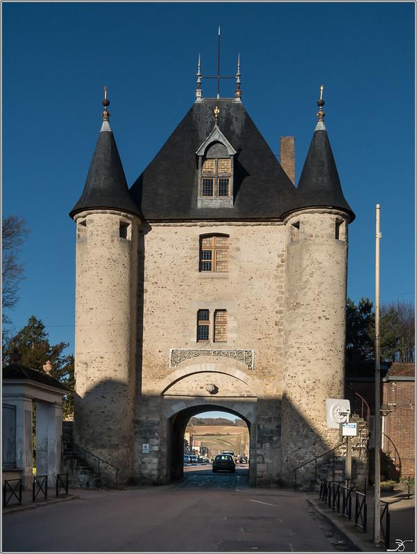 Vileneuve sur Yonne 31296073466_5966292675_c