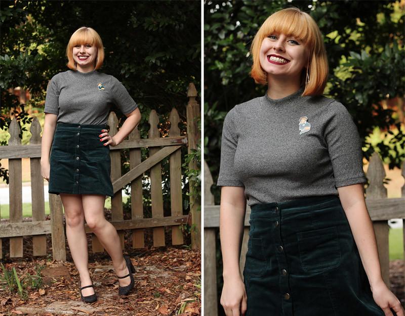 Gray Short Sleeved Turtleneck Green A-Line Skirt Novelty Pin