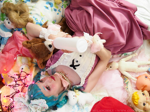 cry baby lolita photoshoot gloomth