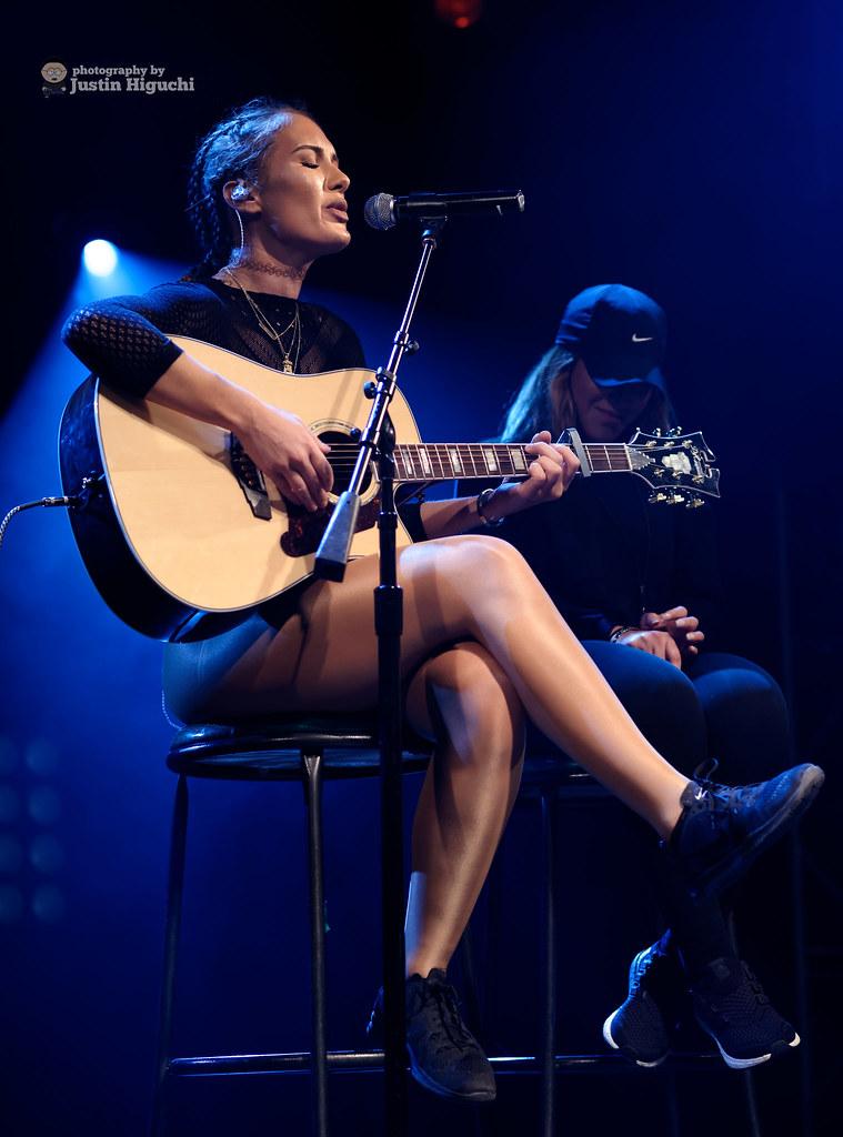 Niykee Heaton 12 18 2015 11 Niykee Heaton Performing