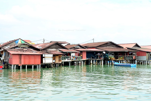 Clan Jetties floating village