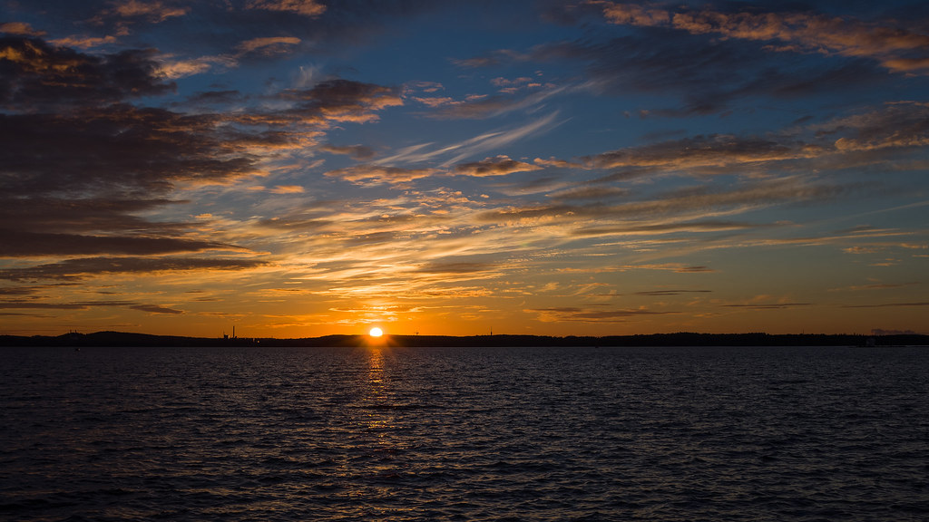Amazing Sunset (Explored) | Sunset from Lapinniemi, Tampere,… | Flickr