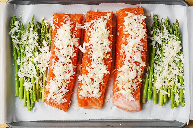 baked salmon, roasted salmon, healthy salmon recipes, quick salmon recipes, best way to cook salmon