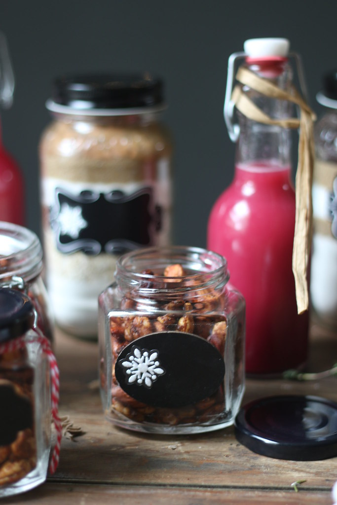 Cocktail and Nuts Edible Gift for Christmas @foodfashionparty