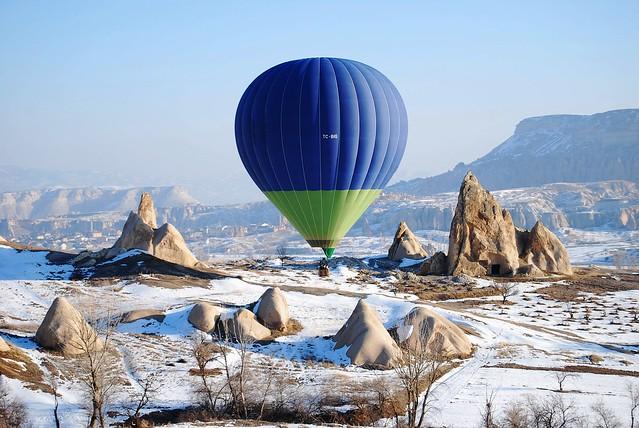 Turkey Balloon……………..Rock Sites Cappadocia…………..為口奔馳