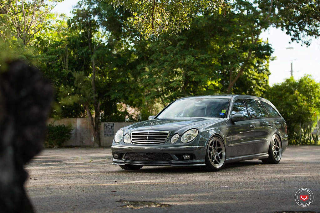 E55 Wagon With A Sick Meaty 19 Quot Vossen Forged Lc 104 Setup