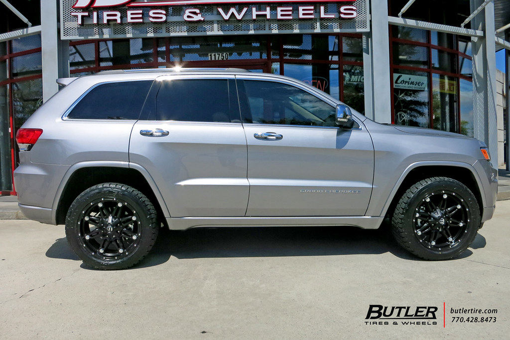 Jeep Grand Cherokee with 20in Fuel Hostage Wheels and Nitt ...