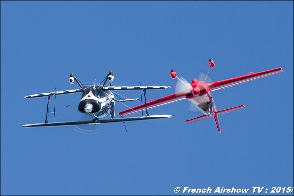Skyloop Acrobatic Show , Cap 232 and Pitts S2B, Feria de l'air nimes garons 2016, Meeting Aerien 2015