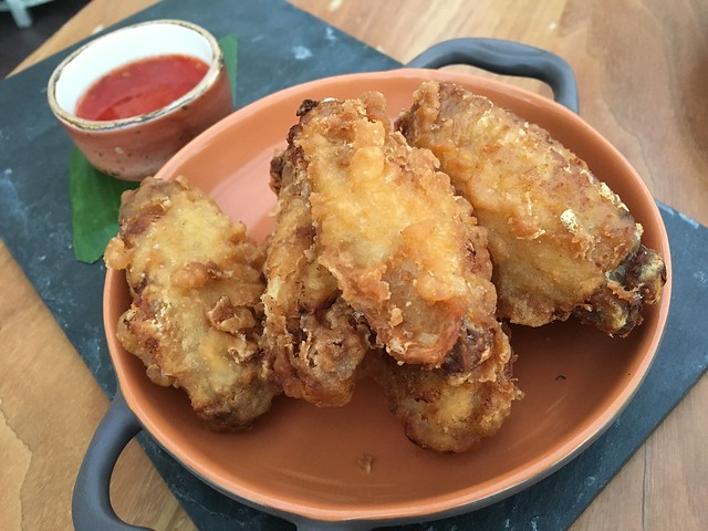 Chicken wings - SKY Waikiki