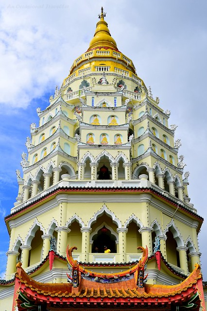 The 7 storey pagoda combined Chinese, Thai and Burmese styles architecture