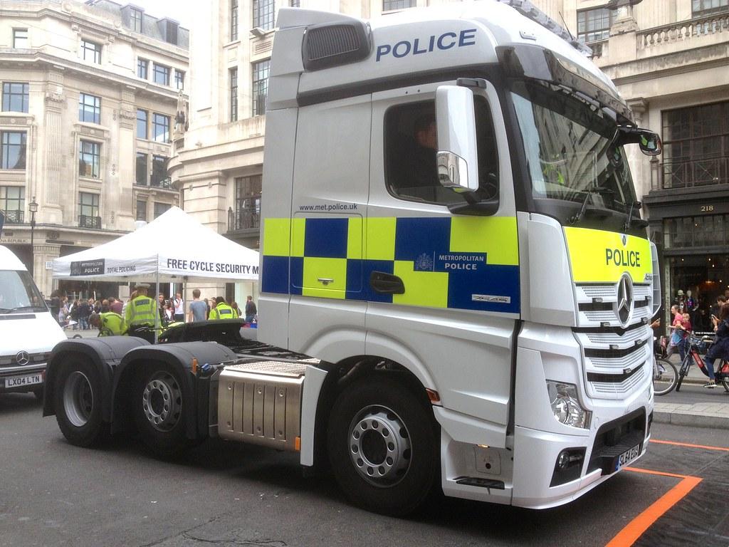 2015 Mercedes Benz British Police Truck   Vehicle make MERCE…   Flickr