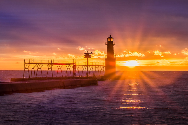 Lighthouse, Algoma, WI, Sunrise, Sunburst, Lake Michigan