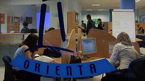 AionSur 24063861125_098958429b_d Cerca de 2,2 millones de euros para poner en marcha 26 unidades de Orientación en Sevilla Formación y Empleo