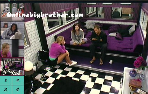 BB13-C4-7-30-2011-9_01_50.jpg | by onlinebigbrother.com