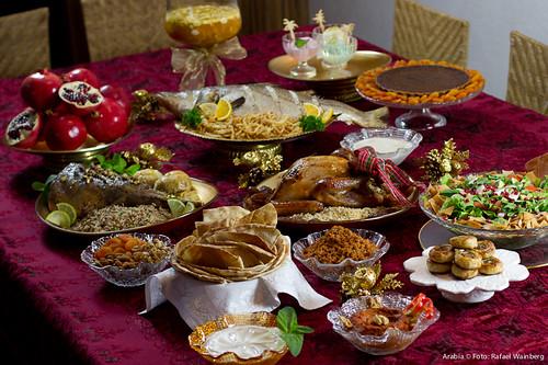 Mesa completa da ceia de natal foto rafael wainberg for Mesas para restaurante