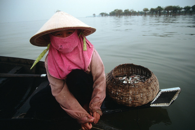 Small-scale fisheries, Tonle Sap, Cambodia. Photo by Dominyk Lever, 2004