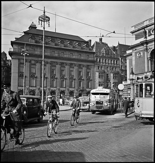 Trafiic at Gustav Adolfs torg in Stockholm 1947 | by Stockholm Transport Museum Commons