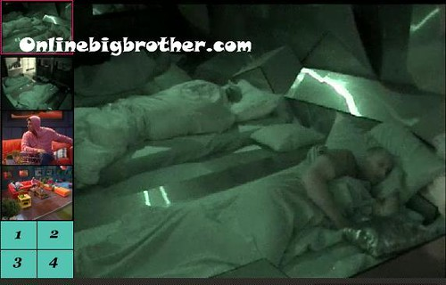 BB13-C2-8-17-2011-3_34_16.jpg | by onlinebigbrother.com