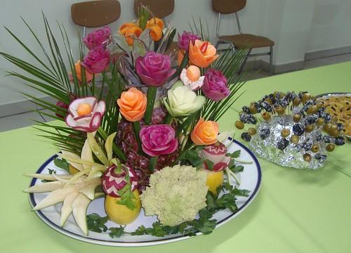 Decoraciones para centro de meza con tallado de vegetales for Secar frutas para decoracion