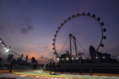 Williams FW33 2011 F1 Singapore Grand Prix Singapore Flyer | by Zip250