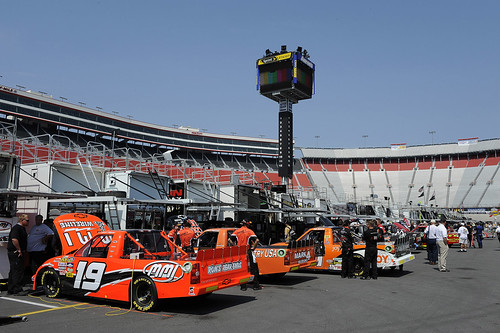 Nascar camping world truck series o 39 reilly 200 bristol for Camping bristol motor speedway