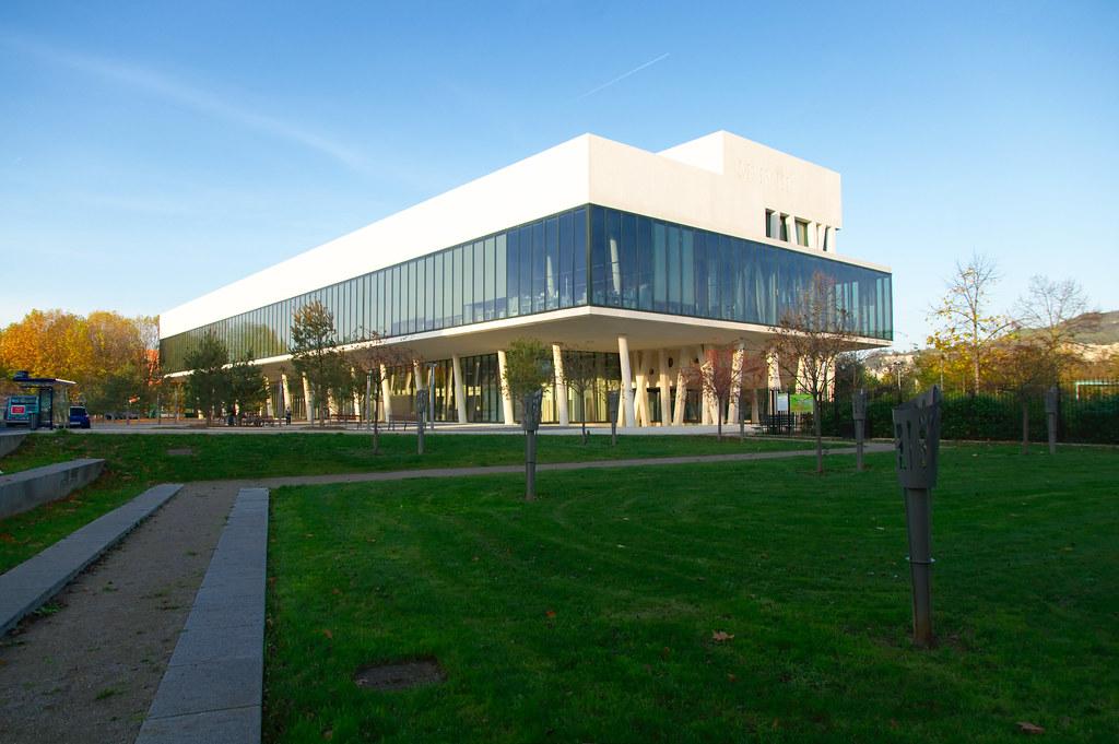 Bibliothèque Simone-de-Beauvoir