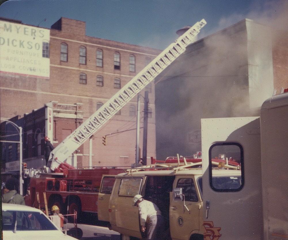 Atlanta Smoky Fire In Auto Parts Store Firemann57 Flickr