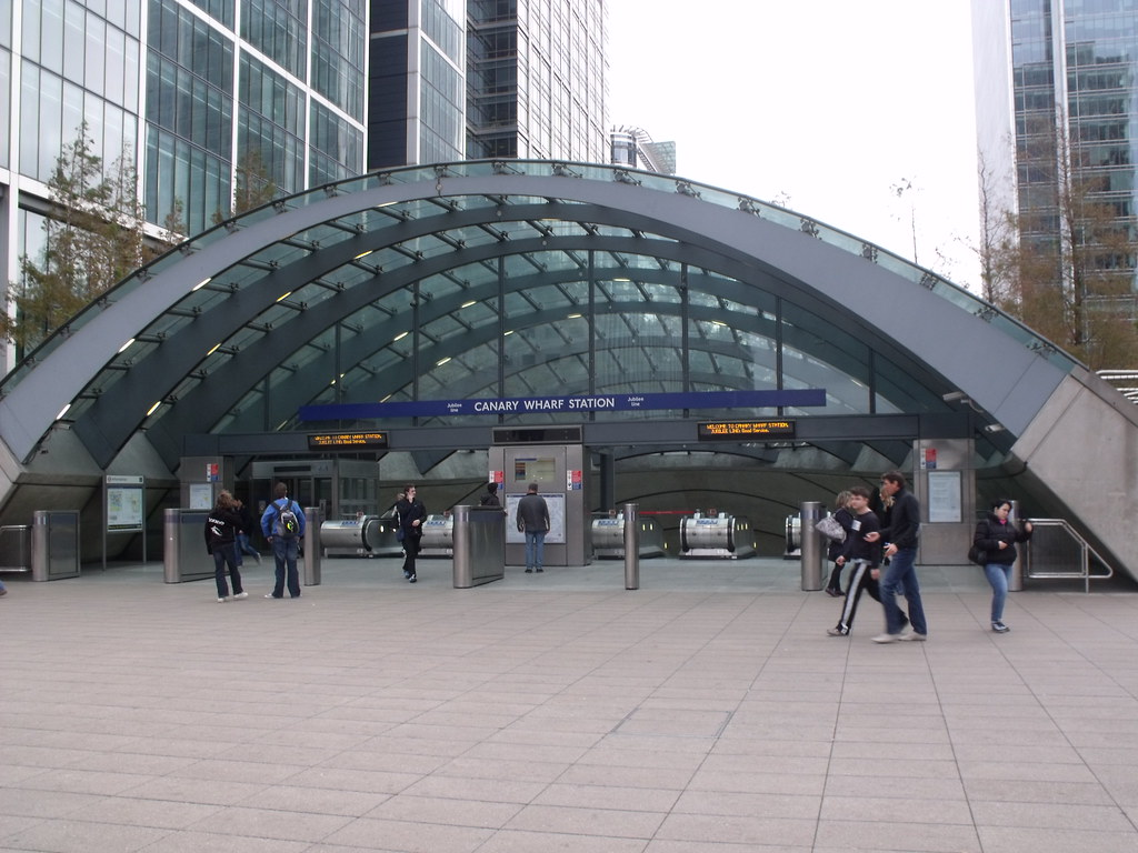 Canary Wharf Underground Station This Is Canary Wharf
