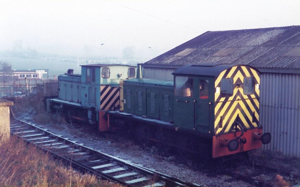 Tolworth 23 November 1983 D2246 Tolworth Coal