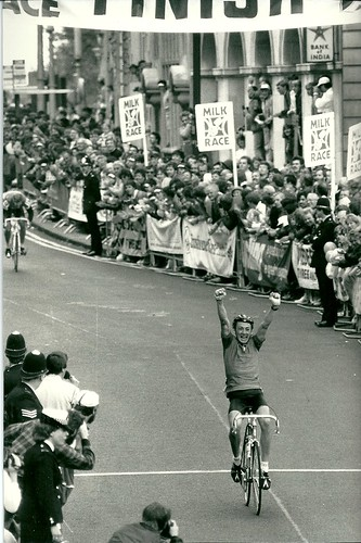 ‎1985 Milk Race, final stage in to Birmingham, jumped 5 man break with 1km to go, Johny Weltz 2rd, Jaskula 3rd | by Cadence Sport