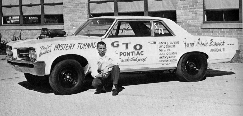 Drag 1 | Arnie 'The Farmer' Beswick with his 1964 Pontiac ...
