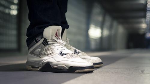 Nike Air Jordan 4 Cement