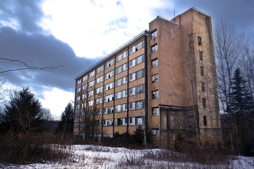 Grossinger's Hotel   G...